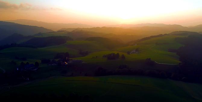 Schwarzwald Sonnenuntergang Kachel